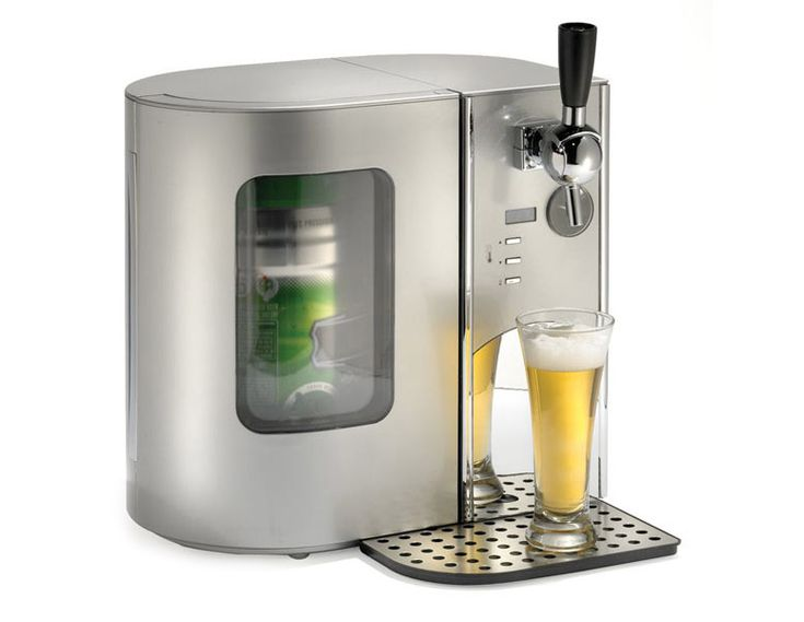 This cooler holds a 5-liter keg and has an integrated tap that allows you to draw tavern-style draught beer with a creamy head from a kitchen countertop or home bar.