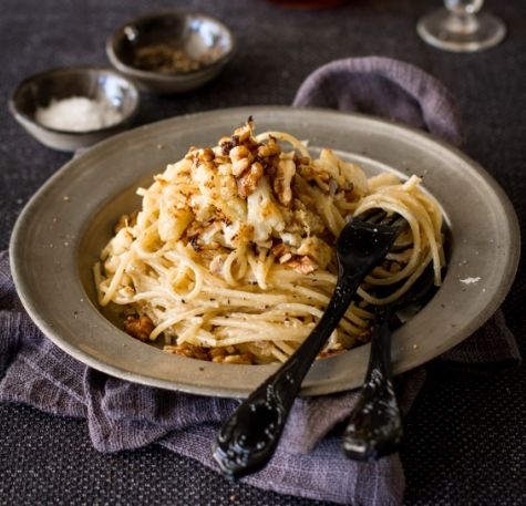 Spaghetti with Roasted Cauliflower and Blue Cheese recipe