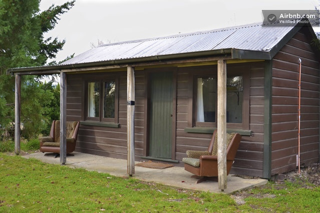 Rustic Cabin/Sleepout in Wanaka