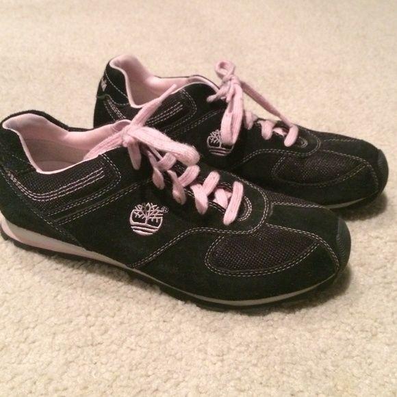 Timberland shoe size 9.5 Gently worn black timberland shoes size 9.5 Timberland Shoes