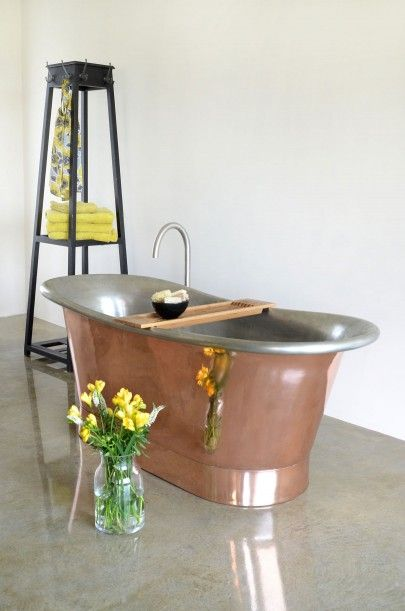 THE MARSEILLE CYPRIUM COPPER BATEAU BATH http://www.castironbath.co.uk/roll-top-baths/copper-baths/the-marseille-cyprium-copper-bath.html