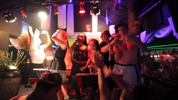 Bali nightclubs dance hits 2013 (Bounty, Paddy's club, Engine room). kehidupan malam di Bali #paketwisatabali http://www.javatoursurabaya.blogspot.com/