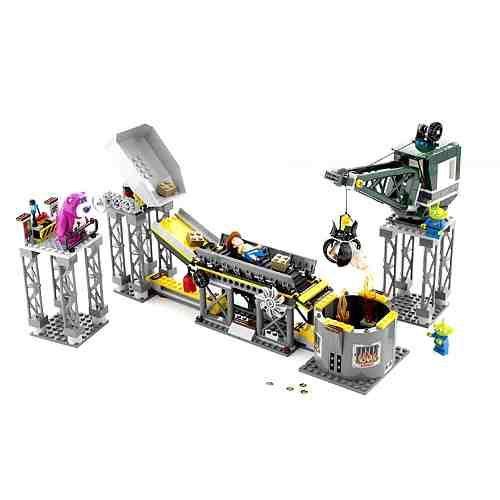 7596 Lego Toy Story 3 Trash Compactor Escape