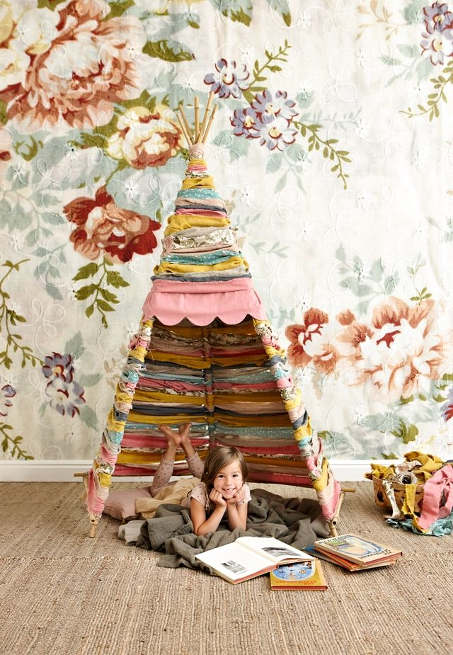 DIY fabric Teepee for A's playroom someday