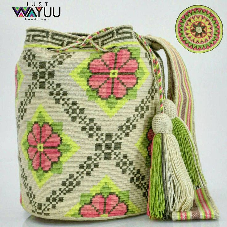 284 отметок «Нравится», 10 комментариев — Just Wayuu (@just.wayuu) в Instagram: «Single thread technique displaying flowers pattern using 7 colors. Handcrafted handbags made by…»