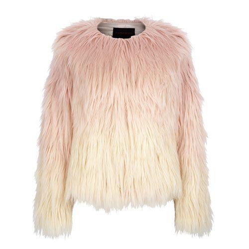 Für Modemutige: Diese zottlige Faux-Fur-Jacke wird durch einen Farbverlauf zum absoluten Hingucker. Jacke von Oasis, circa 100 Euro.