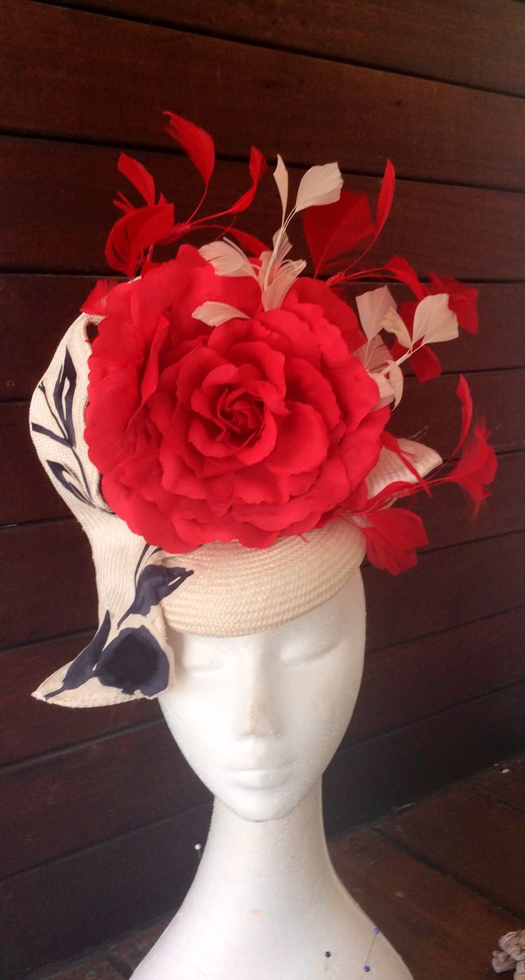 Gorgeous lace crown. On trend for the racing season