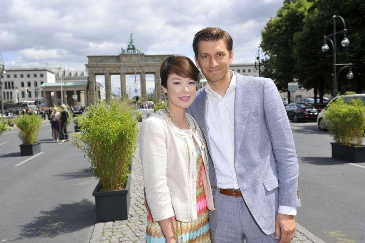 Zusammen mit Mann Christian freut sich Nela Leeriesig auf den Nachwuchs.