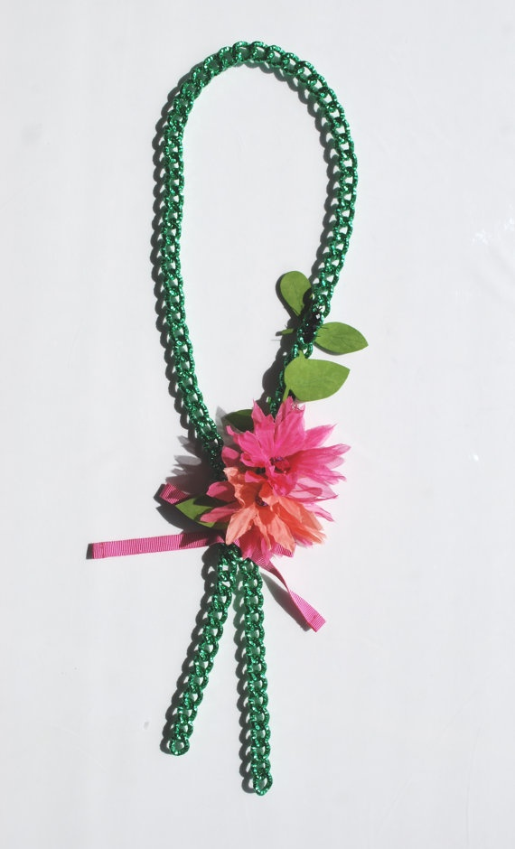 110 cm long painted metal chain.  The flower and leaf ornament made of various fabrics close up small black crystal jewellery ants.  Large Swarovski crystals light up the middle of the flowers.    This object has been made with optimum quality entirely handmade materials and accessories. Each small imperfection makes the item unique.