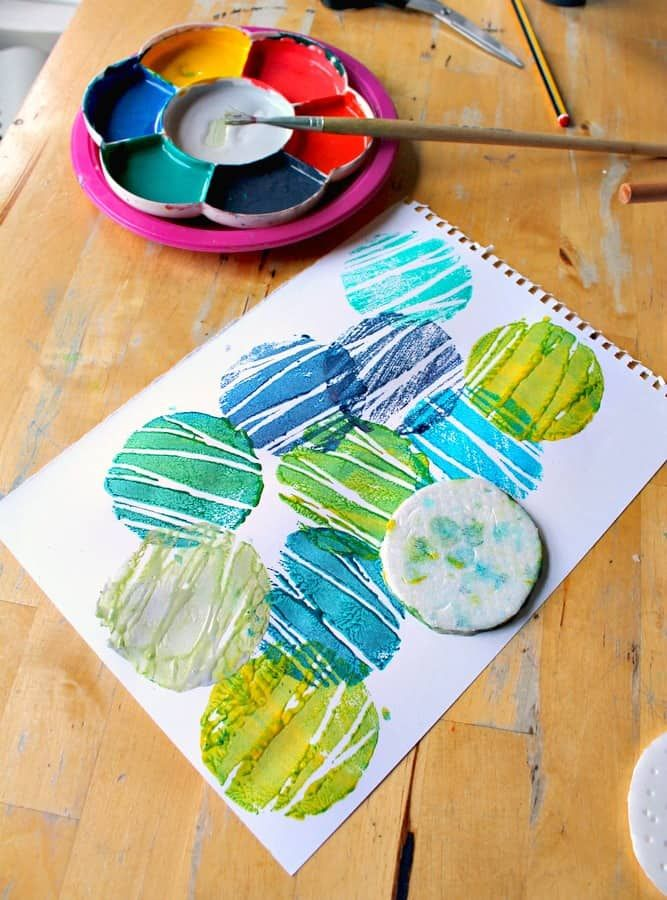 Easy mono printing art project for children