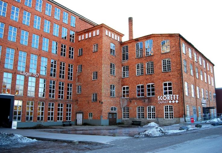 Lager 157 - märkesoutlet utanför Sågmyra som tidigare varit en gammal yllefabrik.   Foto: Linda Carlsson