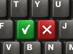 1 - Les touches de fonctionLa première rangée de votre clavier est constituée par les touches de fonction : F1, F2, F3, etc...Généralement, chaque logiciel attribue un usage à ces touches de fonction. Ainsi dans Word, F7 déclenche le correcteur orthographique.