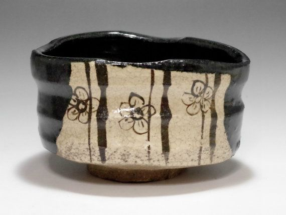 KURO ORIBE Chawan  moderne zwarte Japans aardewerk door chawanya