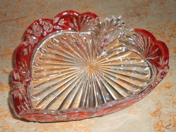 123 best images about vintage home decor on pinterest for Heart shaped jewelry dish