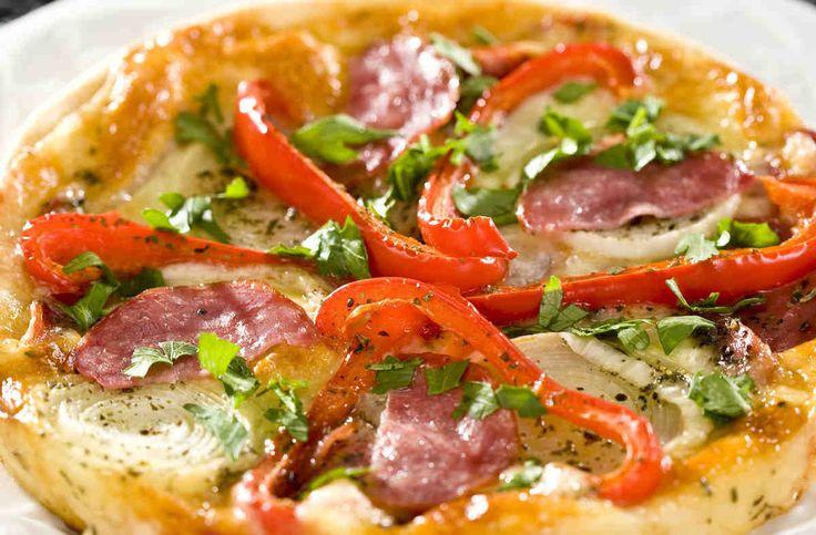 Pizza z kindziukiem  #smacznastrona #przepisytesco #pizza #kindziuk #papryka #mniam
