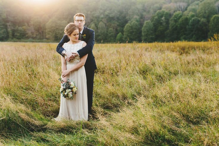 Love the feel of this photography; Jenn Manor, Cincinnati based photographer. (Betsy + Russell – Conrad Botzum Farmstead Wedding – Akron, Ohio)