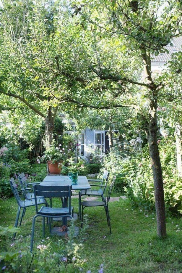 Schattiger Sitzplatz Im Garten Livingroomdecor Homedecorideas Bedroomdecorideas Decorideas Cottage Garden Design Cottage Garden Garden Design