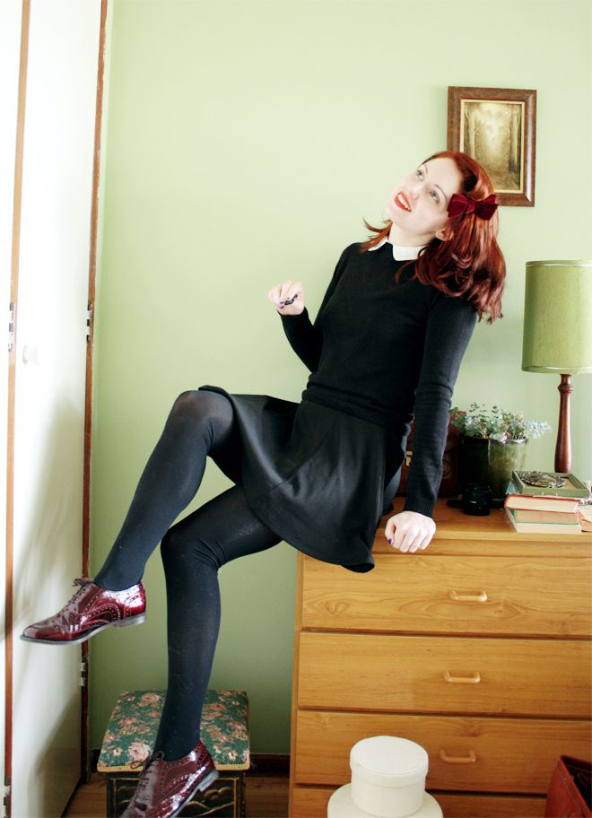 Fabulous beatnik style from my favourite vintage fashion blog. Now a redhead too!