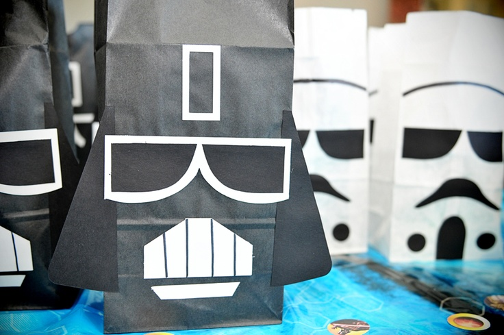 Star Wars theme loot bags! Awesome!