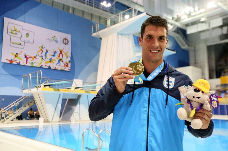 Federico Grabich, posiblemente el gran atleta argentino de estos juegos. Campeón en los 100 metros libres, con gran registro y enorme proyección.
