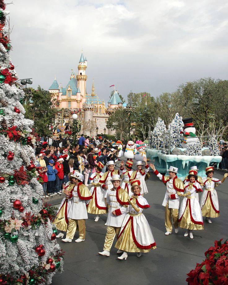 Disneyland Decorated For Christmas: 101 Best •.•*•.Disneyland Christmas.•*•.• Images On
