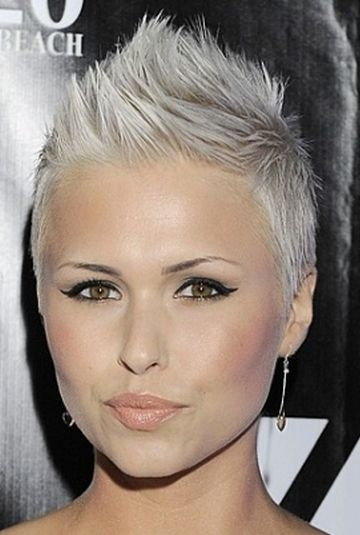 platinum blond pixie, cute hairstyle for modern women.  Wish I was this brave!!