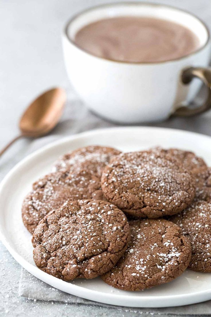 Hot Chocolate Chili Cookie Recipe - These cookies melt in your mouth and tastes just like a cup of rich Mexican hot chocolate, with a spicy lingering kick! | jessicagavin.com