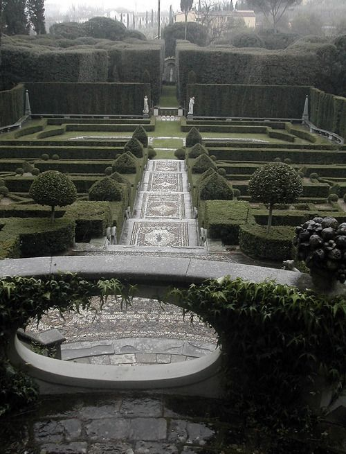 63 best italian gardens images on pinterest italian for Italian landscape design