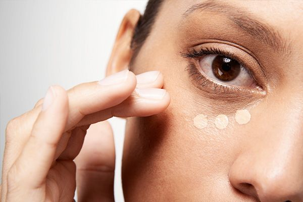 Wake up Sleepy Eyes: From Eliminating Dark Circles To Highlighting Eyes #AMCoffee with @DiscoverSelf