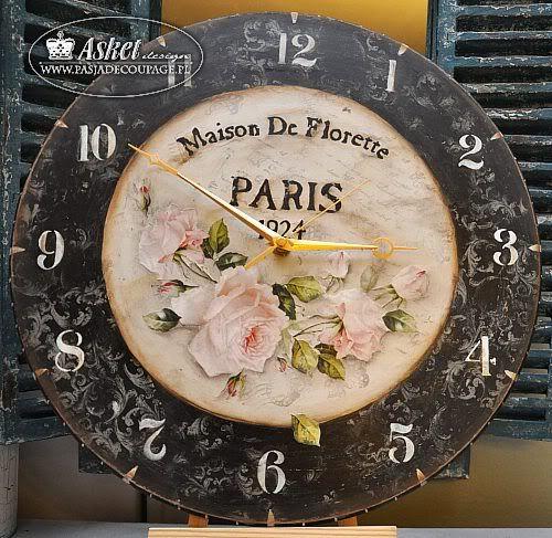 Zegar z różą w starym stylu