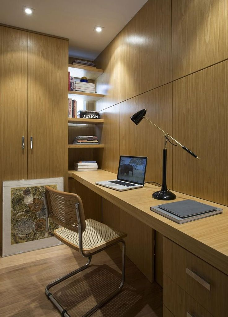 Home office assinado por Roberto Robl.