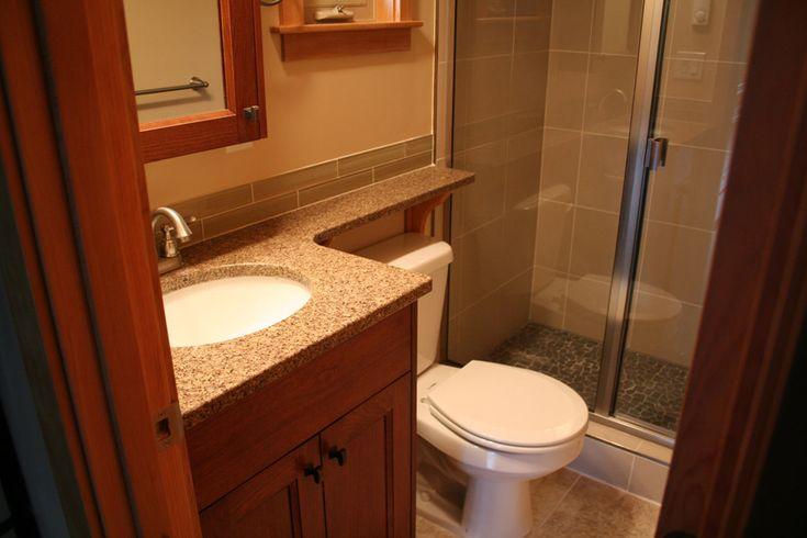 Best 25+ Small Cottage Bathrooms Ideas On Pinterest