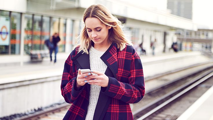 No, Using a Personal Safety App Doesn't Make You Paranoid | The Best Personal Safety Apps Every Woman Needs on Her Phone | StyleCaster