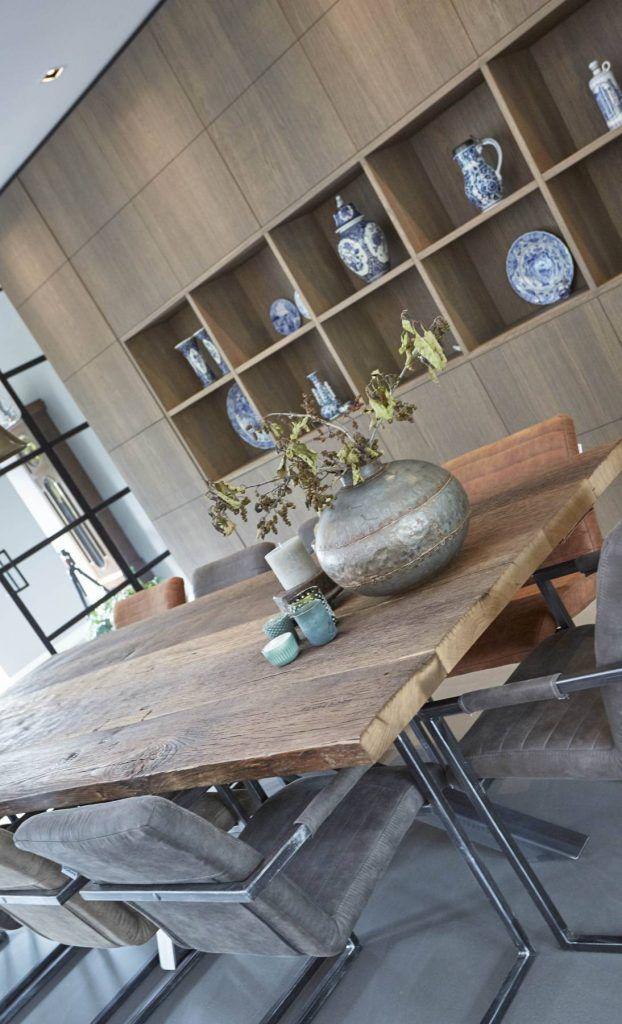 Robuuste tafel met uniek stalenframe | Houtwerk Hattem