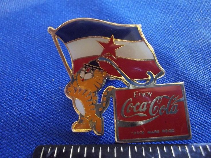 1988 Seoul Olympic Sponsor Pin Coca Cola Hodori Mascot Yugoslavia Flag