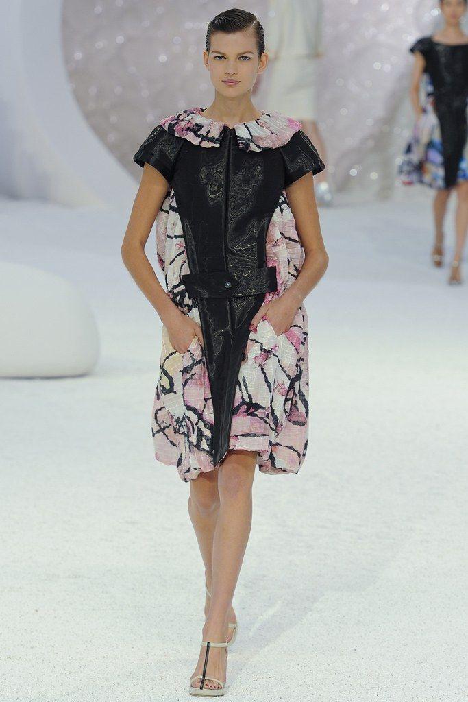 f32c6f64636364 Chanel Spring 2012 Ready-to-Wear Fashion Show in 2019 | designer ...