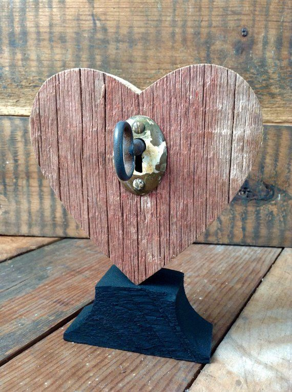 Rustic Heart Red W Vintage Key Barnwood Home Country Style Shelf Decor Barnwood Accent Heart Diy Wooden Hearts Diy Projects