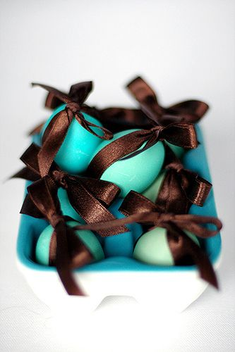 bows on eggs