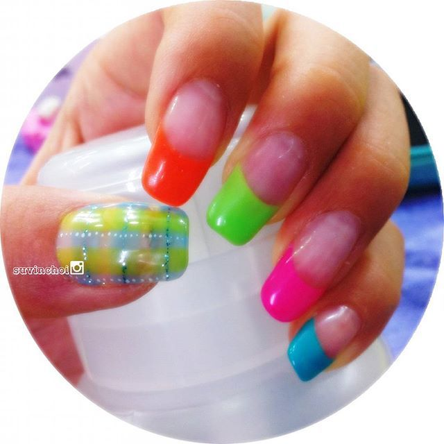 Like candies   #candycolors #frenchmanicure #checkpattern #abalico #nails #nailart #naildesign #nailstagram #nailswag #nailporn #gel #gelnails #diy #manicure