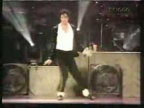 *Must Watch* Michael Jackson's Best MOONWALK EVER!!! - YouTube