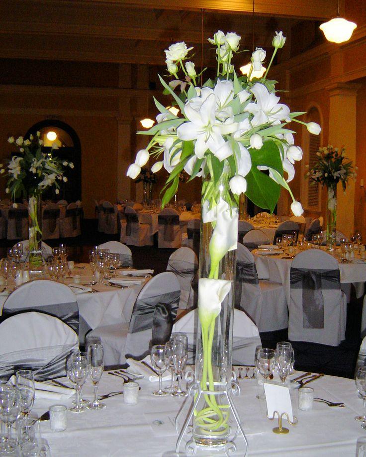 Beautiful #whitefloracentrepiece @werribeemansionhotel