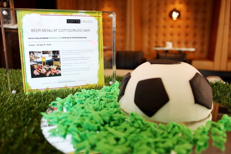 Special beer menu accompanied by delicious and refreshing beer cocktails created by our chefs to enjoy a football matches at full blast!