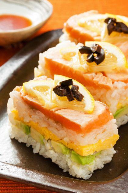 誉められパーティメニュー♡アボカドと炙りサーモンの華やか押し寿司♡ひな祭りにもgood!
