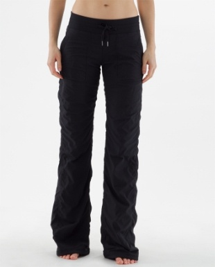 With a cute t-shirt, these Lululemon Studio Pants are comfortable, stylish and easy to slip on.