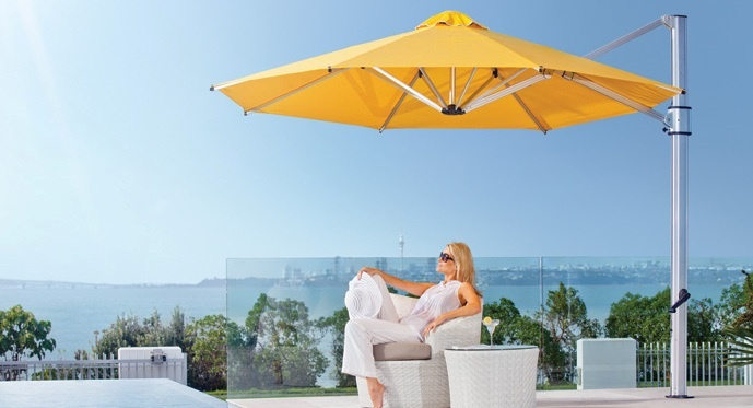 Outdoor shade umbrella for backyard