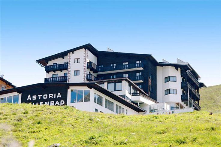 Astoria  Description: Overdekt zwembad allinclusiveformule familiekamers Hotel Astoria Kühtai is een verzorgd viersterrenhotel dat een mooi panoramisch uitzicht biedt op het omliggende berglandschap. Je kunt er bovendien genieten van een allinclusiveformule een overdekt zwembad en enkele wellnessfaciliteiten. Hou je van wandelen en fietsen? Dan ben je in Hotel Astoria Kühtai aan het juiste adres. Het hotel organiseert regelmatig begeleide wandeltochten en je kunt er gratis gebruik maken…