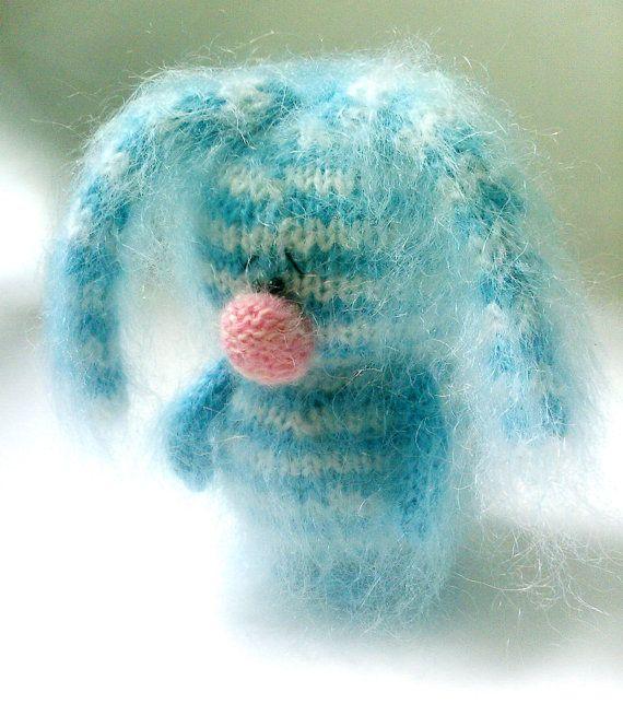 Gestreifte traurig Bunny - Amigurumi Bunny Spielzeug Miniatur-Tiere-Hand-gestrickt Art Puppe gefüllte Spielzeug Hase gestrickt Plüsch Kaninchen Tag Geschenk zum Valentinstag
