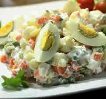 Salada Russa com Peixe - http://www.receitasja.com/11484-2/