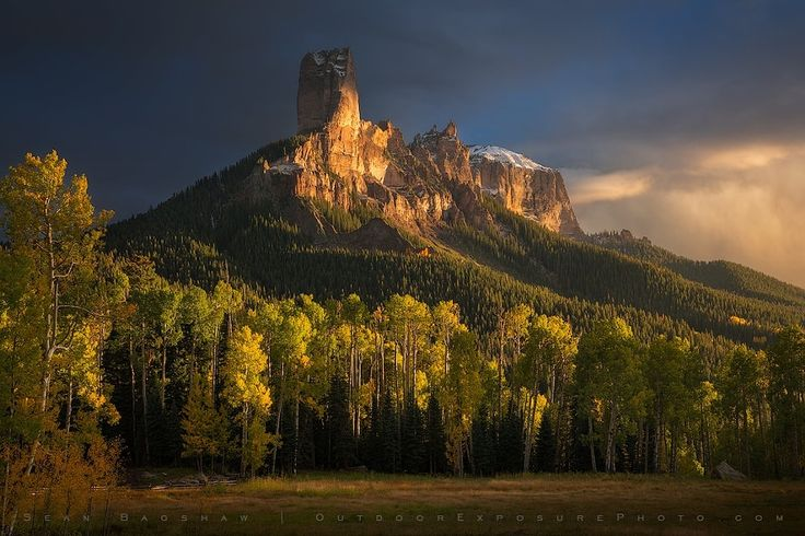 ***Chimney Rock (Colorado) by Sean Bagshaw / 500px