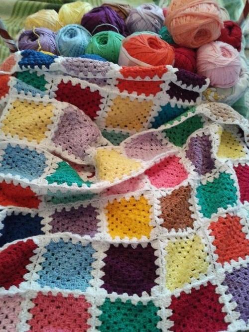 Crochet Granny Square Blanket: like the white trim around/joining each block.